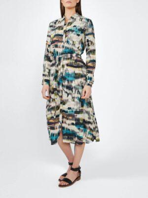Sandwich NL Op de dynamische print van de midi-jurk van Sandwich raak je niet uitgekeken. De strikriem zorgt voor nadruk op het vrouwelijke silhouette. Deze jurk is voorzien van een klassieke kraag en een doorlopende