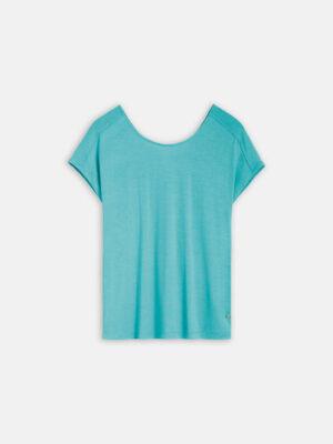 Sandwich NL Het mooie aan dit T-shirt is de V-hals en split op de rug. De top heeft kort aangeknipte mouwen en is gemaakt van fijn stretch materiaal.