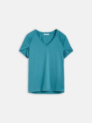 Sandwich NL Een T-shirt ribmateriaal met stretch kwaliteit. We hebben de top voorzien van een V-hals en als detaillering een splitje op de mouw aangebracht.